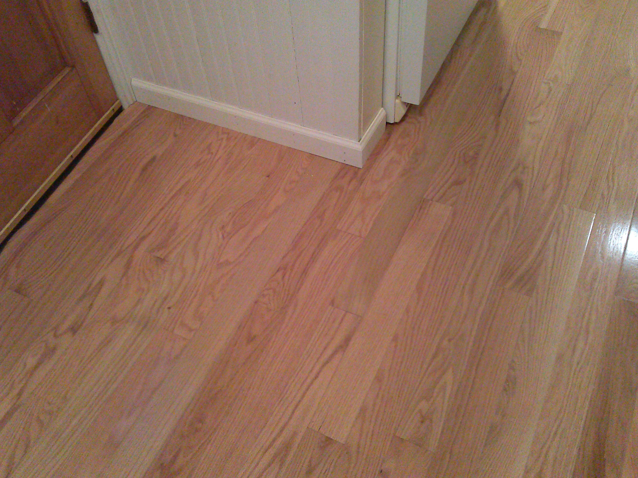 Pre-finished Solid Red Oak Hardwood Flooring