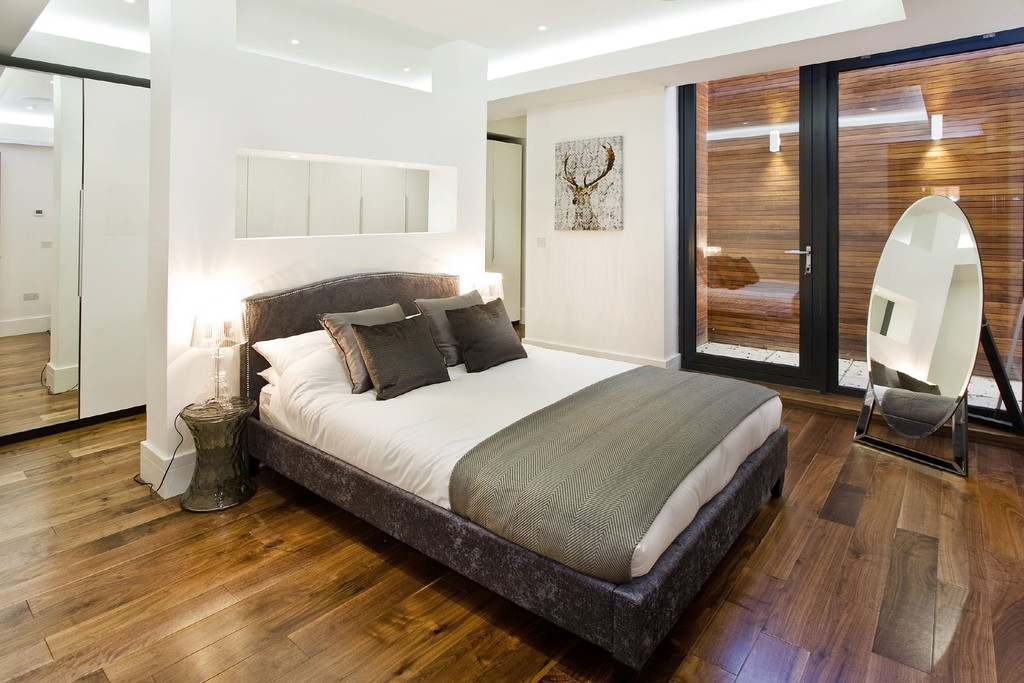 Pre-finished Walnut hardwood flooring-bedroom-