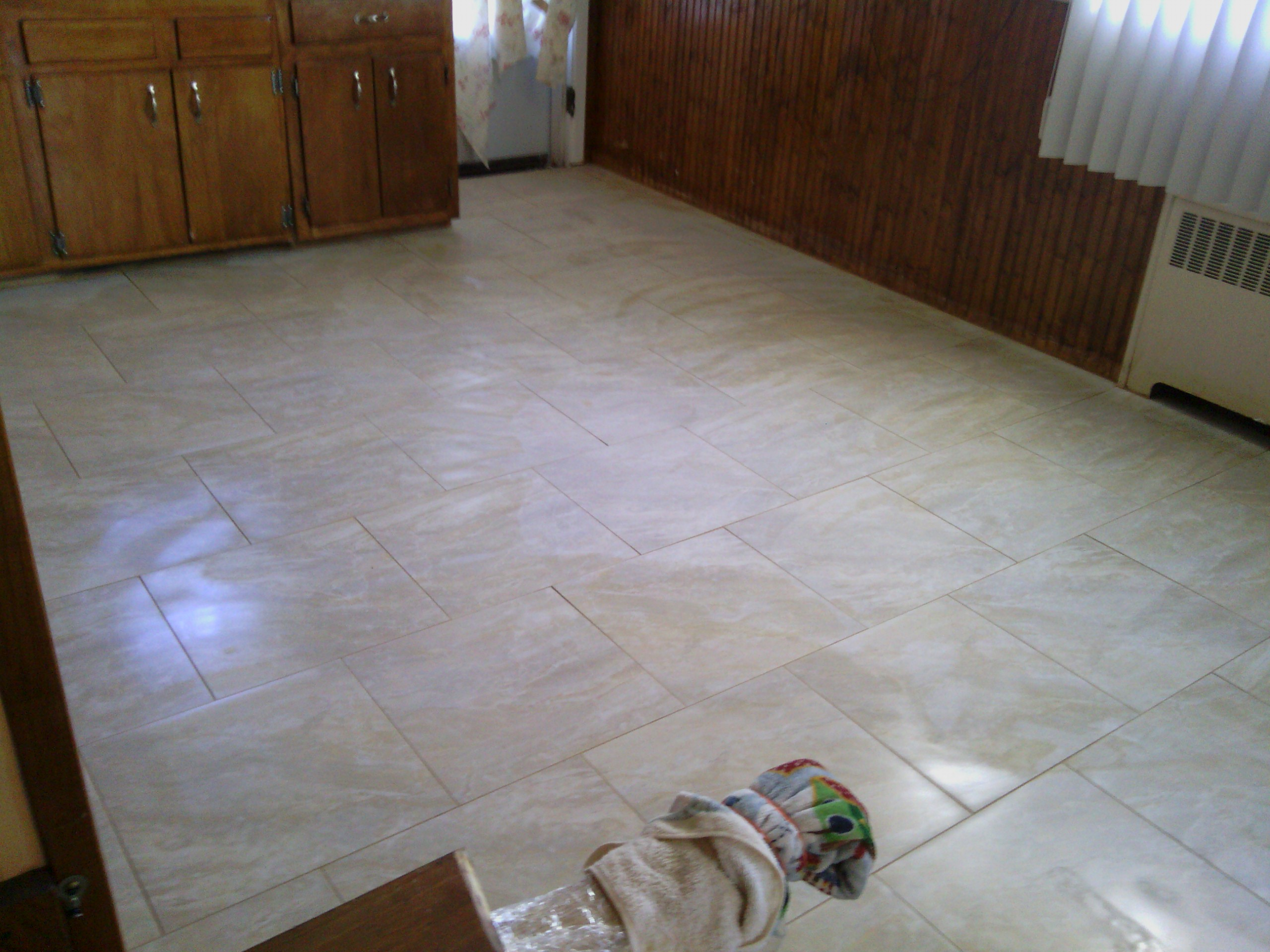 100 plastic floor tiles for basement how can i prepare for Plastic kitchen flooring